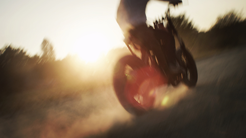 MOTOBIKE_SHOOTING_COMMERCIAL_DOP_Alary_Romain